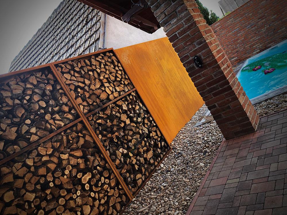 Dřevník z COR-TEN oceli